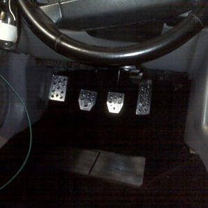 Int w/Black Carpet and billet pedals