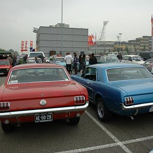In front of the mustangs, a few Trabants. These are east german 2-stroke engine cars