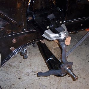 10/15/16 Installed the idler arm, & started assembling the front suspension on the r/s.