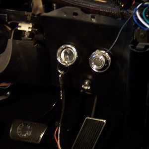 2/11/18 Installed the ignition switch cylinder, & the intermittent wiper switch & module from a 1985 Ford truck.